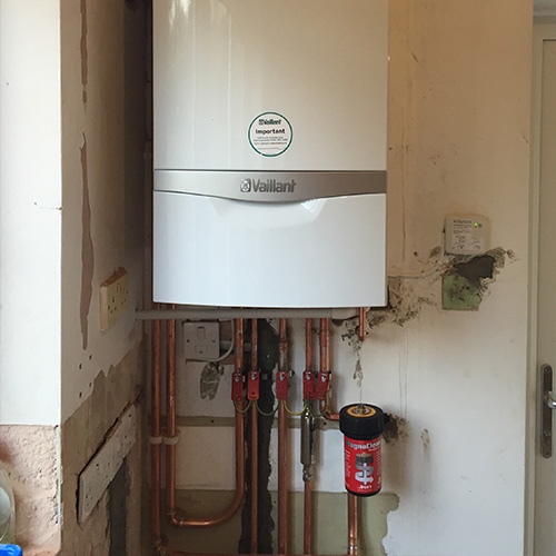Installation and Powerflush of Vaillant ecoTEC Plus 835